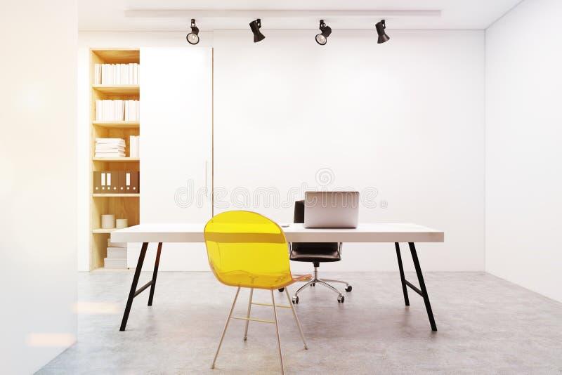 Miejsce pracy, żółty krzesło, komputer, tonujący royalty ilustracja
