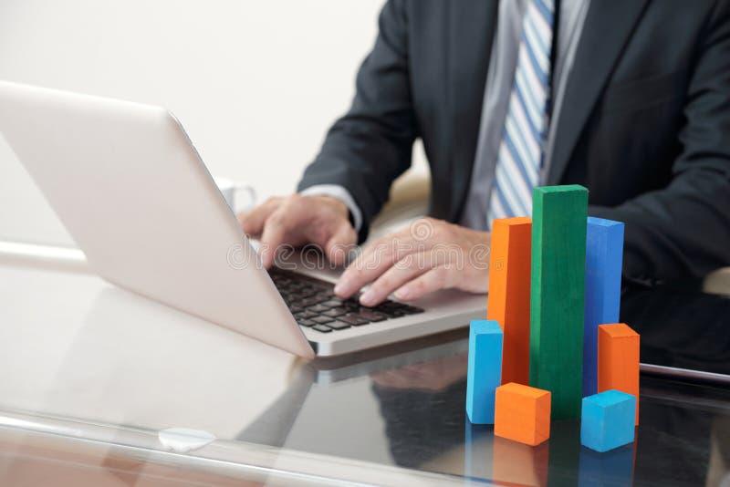 Miejsce pracy analityk finansowy fotografia stock