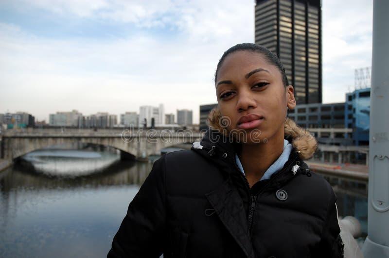 miejska dziewczyna postawy obraz royalty free