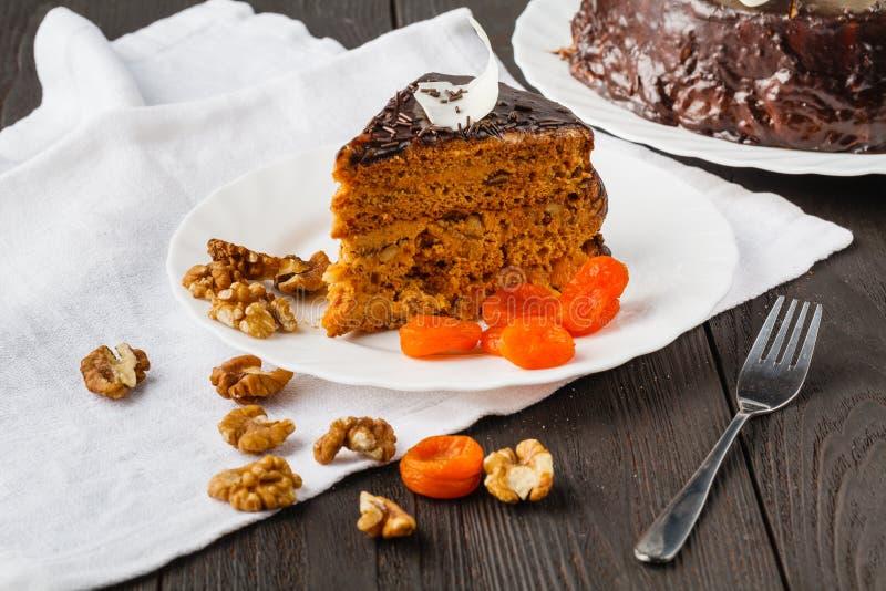 Miel-torta dulce para el desayuno del día de fiesta fotografía de archivo libre de regalías