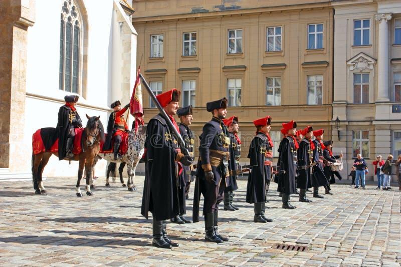 Miembros del regimiento del pañuelo imagenes de archivo