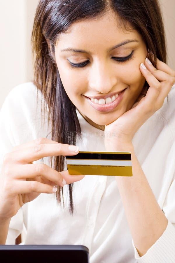 mienie karciana kredytowa kobieta zdjęcia royalty free