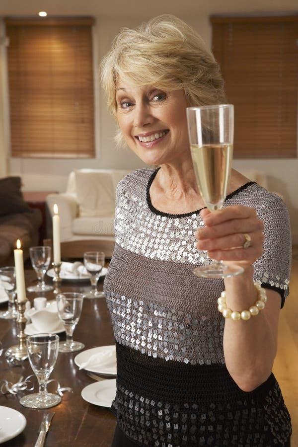mienie szampańska szklana kobieta fotografia royalty free