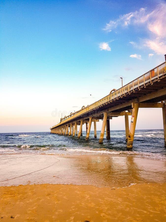 Mierzeja przy magistrali plaży złota wybrzeżem obrazy royalty free
