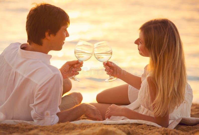 Miesiąca miodowego pojęcie, mężczyzna i kobieta w miłości, zdjęcia stock