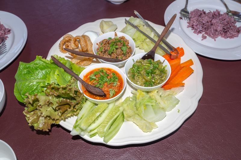 Mieszający Tajlandzki Chili Ustawiający z wieprzowiny warzywem dla posiłku i przekąską fotografia stock