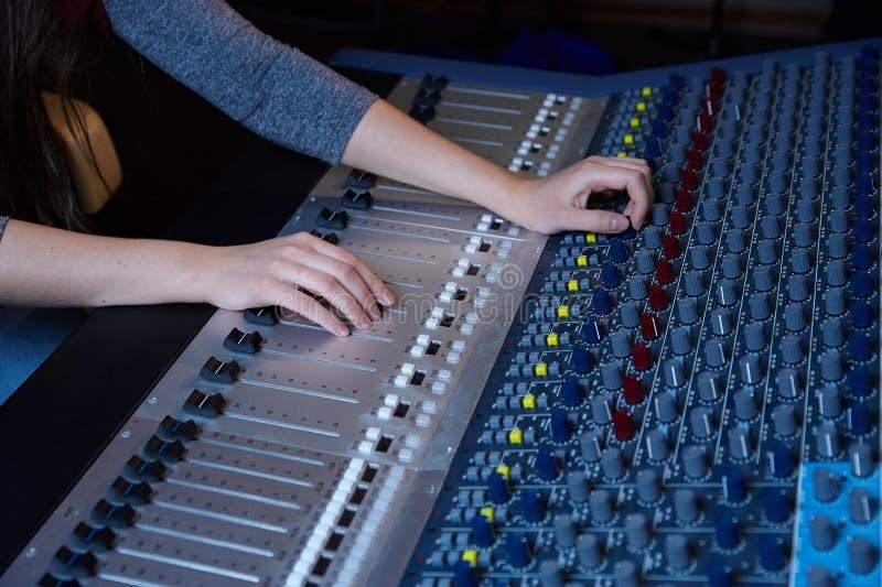mieszanie konsoli audio fotografia royalty free