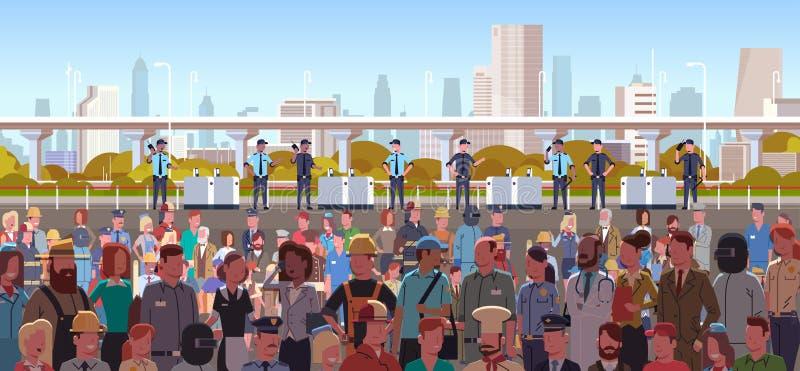 Mieszanka biegowych funkcjonariuszów policji zajęć grupowi kontroluje różni ludzie tłoczą się przy protestacyjnym demonstracja st royalty ilustracja