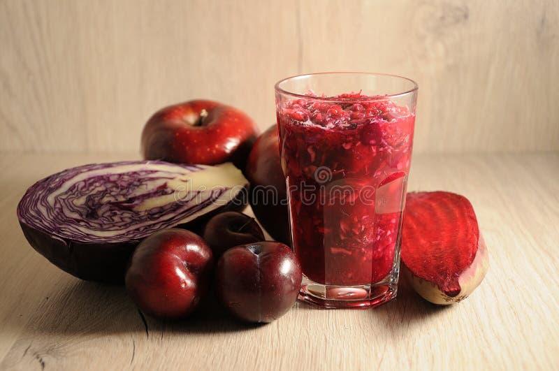 Mieszanka czerwień, Burgundy warzywa i owoc, obrazy royalty free