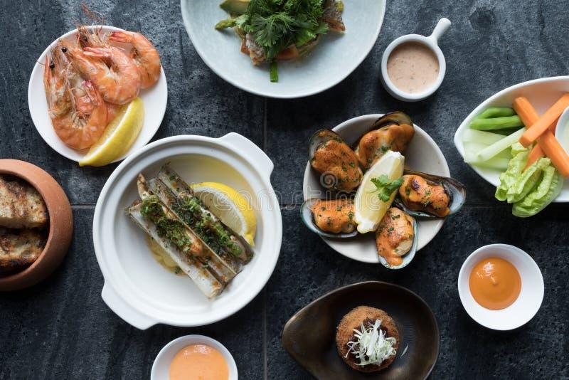 Mieszanka owoce morza Ustalony menu świeży zdjęcia royalty free