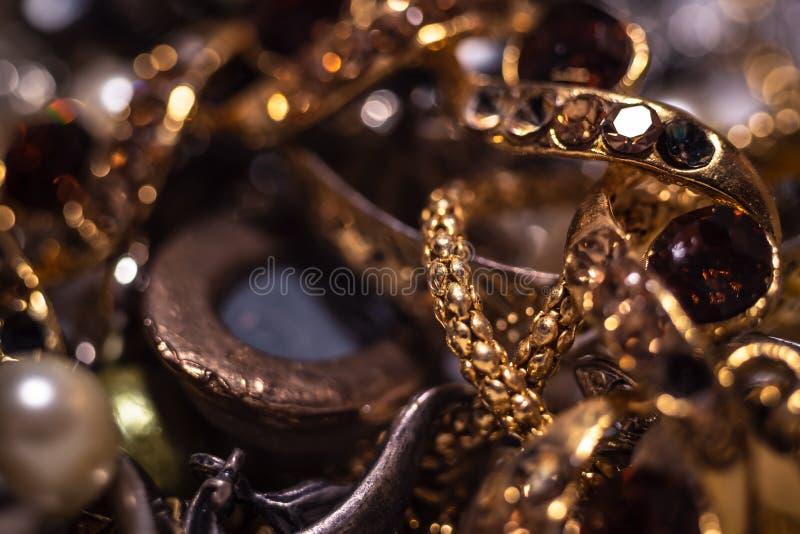Mieszanka piękna biżuteria Kolekcja bijouterie Moda klejnoty zdjęcia royalty free