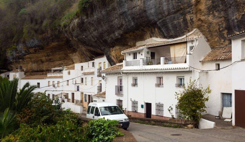 Mieszkania budowali w skałę bodegas De Las Setenil obraz royalty free