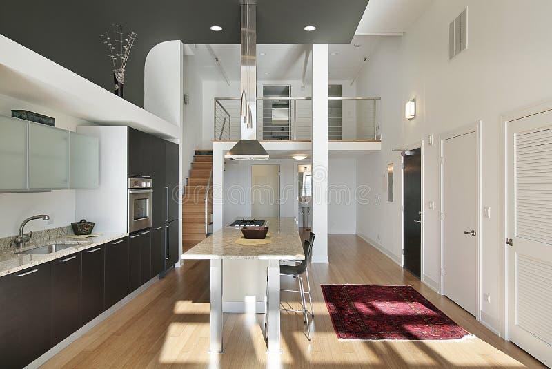 mieszkania własnościowego rówieśnika kuchnia fotografia royalty free