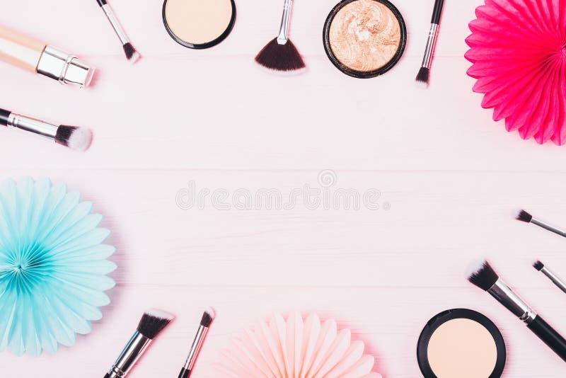 Mieszkanie nieatutowi ramowi kosmetyki dla parzysty, równy cery obrazy stock