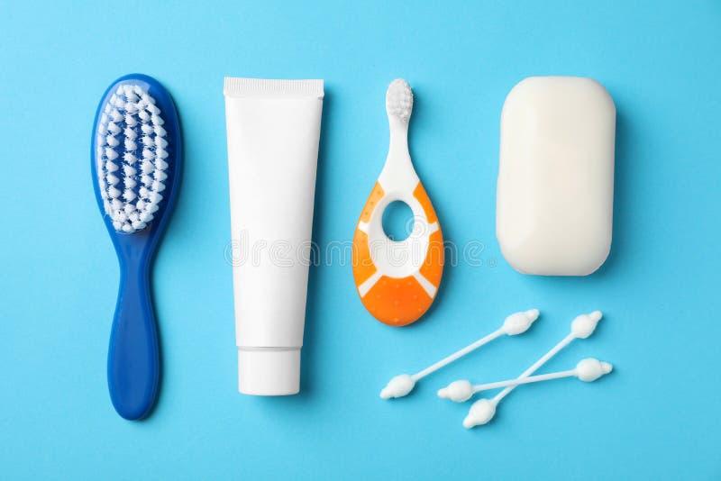 Mieszkanie nieatutowy skład z dziecka toothbrush fotografia royalty free