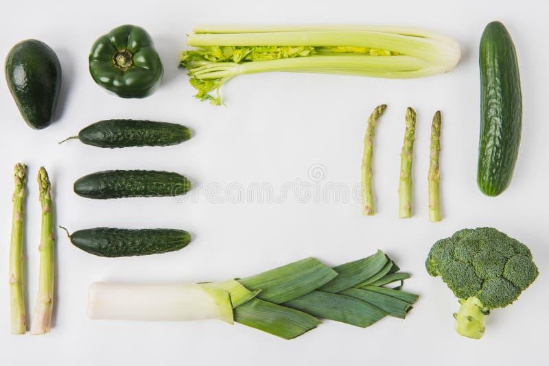 Mieszkanie nieatutowy skład zieleni warzywa obrazy stock