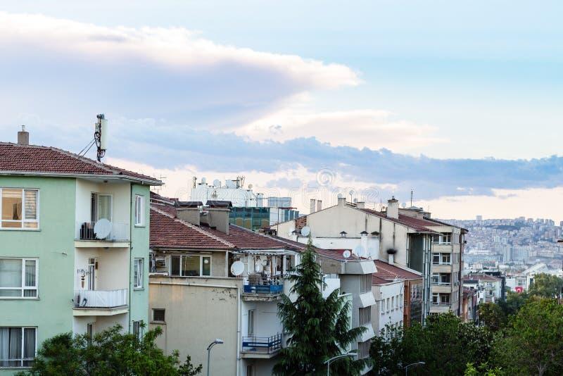 mieszkaniowy okręg w Ankara mieście w wieczór obraz stock
