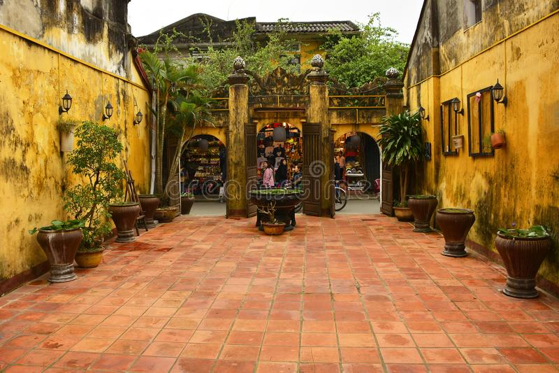 Mieu Hy Hoa świątyni podwórze zdjęcie royalty free