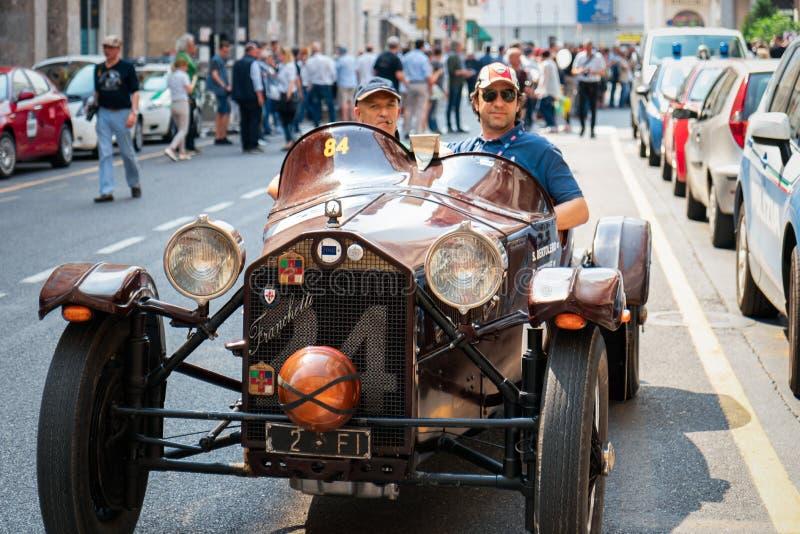 1000 Miglia 2017 Brescia, Włochy, - Maj 17, 2017: Historyczna Mille Miglia samochodowa rasa Lancia Lambda 1922-1931 1927 7th seri fotografia royalty free
