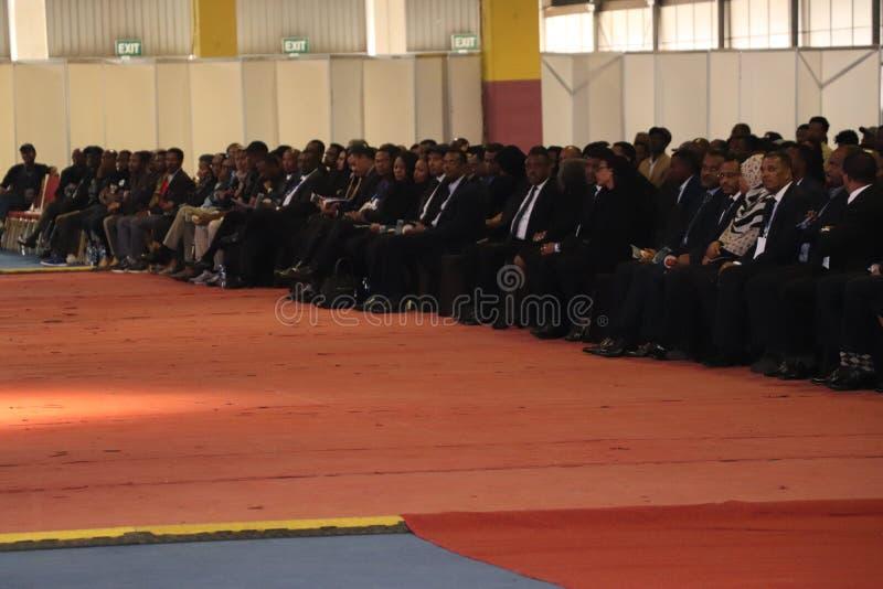 Migliaia di gente hanno assistito al funerale dell'ex presidente dell'Etiopia, il Dott. Negasso Gidada, nella capitale, Addis Aba immagine stock libera da diritti