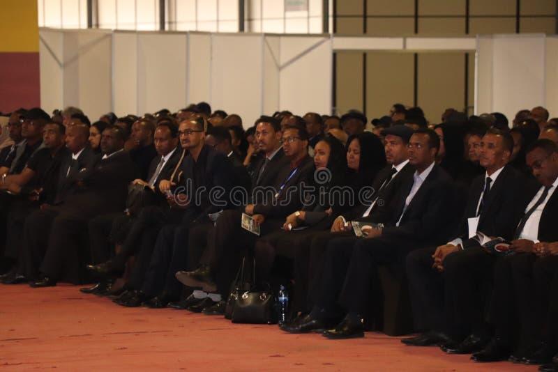 Migliaia di gente hanno assistito al funerale dell'ex presidente dell'Etiopia, il Dott. Negasso Gidada, nella capitale, Addis Aba fotografia stock libera da diritti