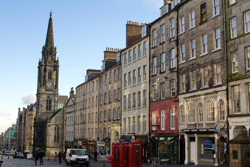 Miglio reale e la guglia sul hub in Città Vecchia a Edimburgo fotografia stock libera da diritti