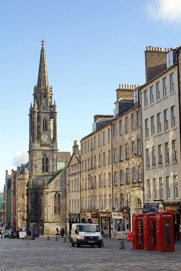 Miglio reale e la guglia sul hub in Città Vecchia a Edimburgo fotografie stock