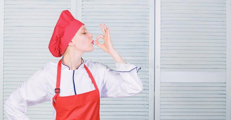 Migliori l'abilit? culinaria Benvenuto alla mia manifestazione culinaria Cappello e grembiule graziosi di usura del cuoco unico d immagine stock libera da diritti