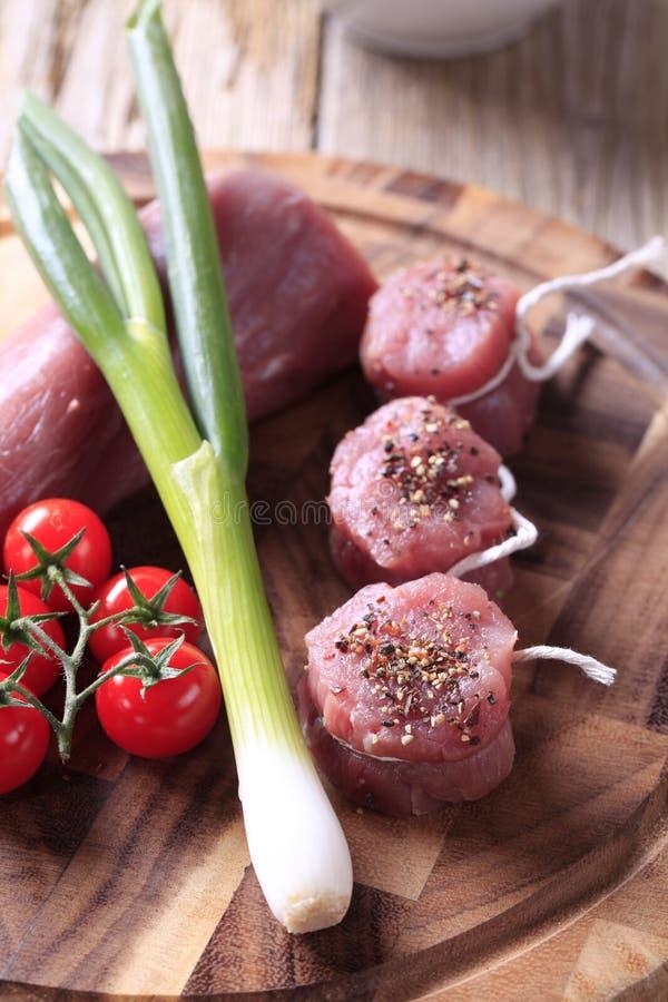 Mignons de filet crus de porc photographie stock libre de droits