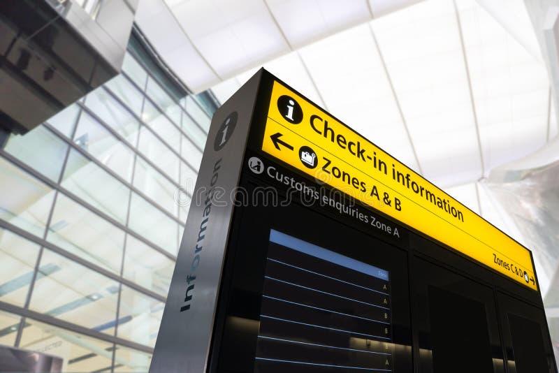 Migrar a informação, chegada, partida no aeroporto, Londres, E imagem de stock royalty free