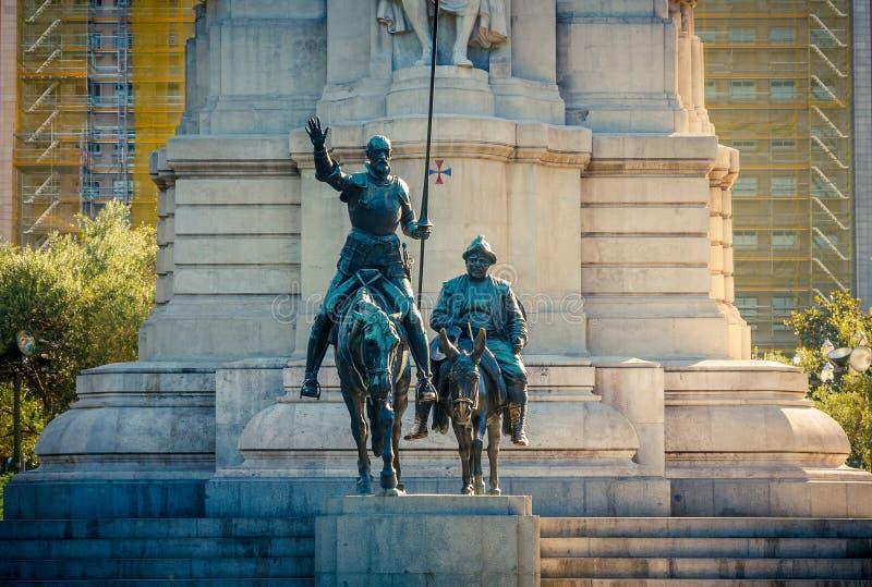 Miguel de Cervantes monument i Madrid royaltyfria bilder