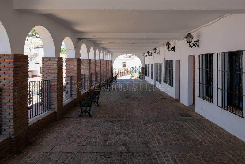 MIJAS, ANDALUCIA/SPAIN - 3. JULI: Ansicht von Torbögen in Mijas A lizenzfreie stockbilder