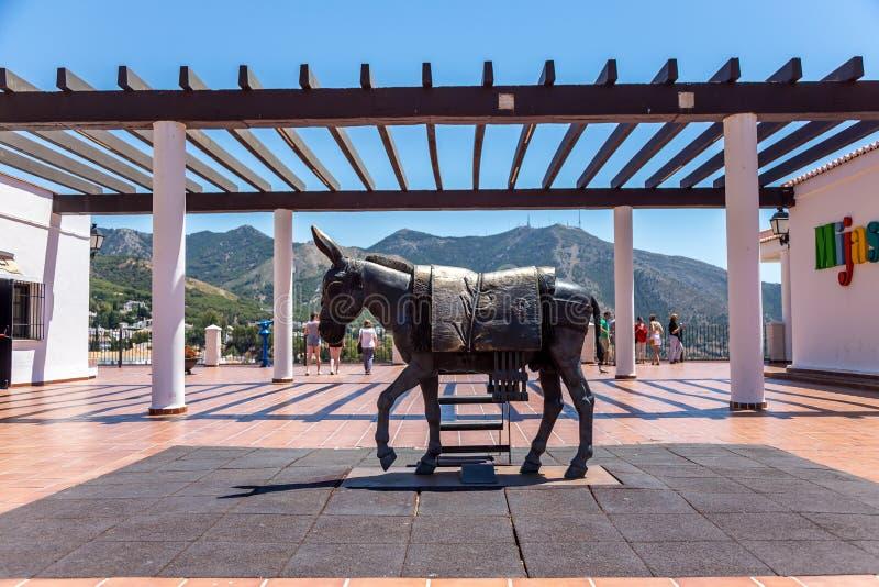 Mijas terace met bezoekers stock foto