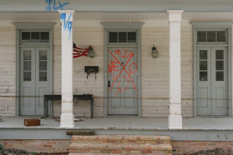 Mijn burenhuis in New Orleans stock afbeeldingen