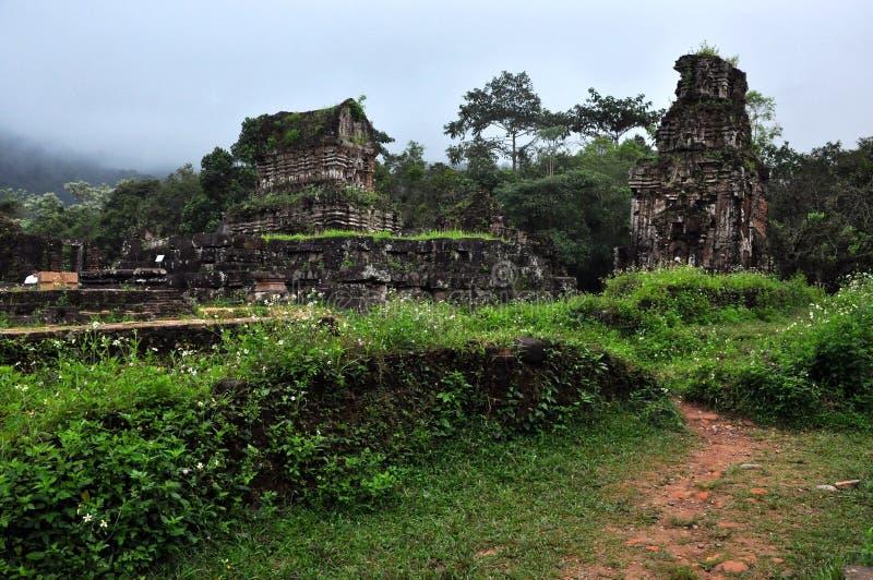 Mijn de tempelruïnes van de Zoon, Vietnam stock foto's