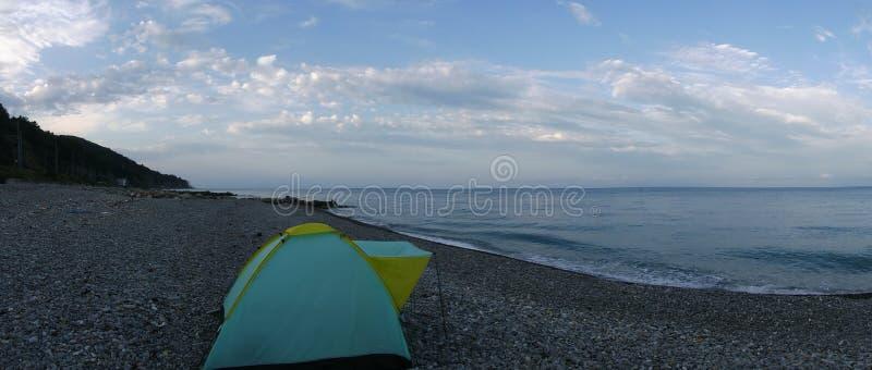Mijn tent is op de Zwarte Zee en dit is mijn repetitieplaats stock foto