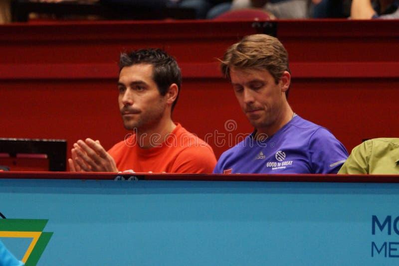 Mikael Tillstrom (entraîneur de Gael Monfils) et Gaetan Olivier (physio- de Gael Monfils) photos stock