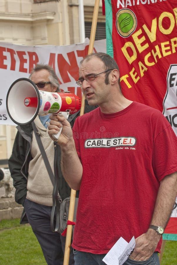 Mike Gurney parlant à la cathédrale d'Exeter photo libre de droits