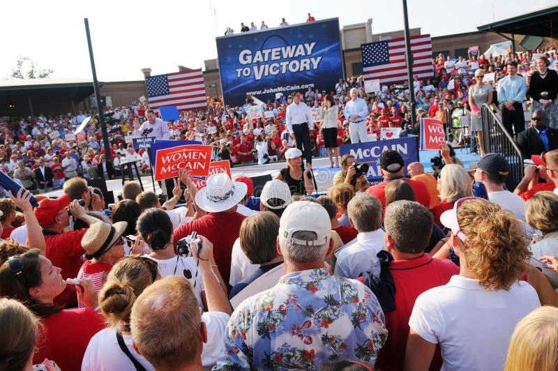 Mike Huckabee parlant au rassemblement de McCain photographie stock