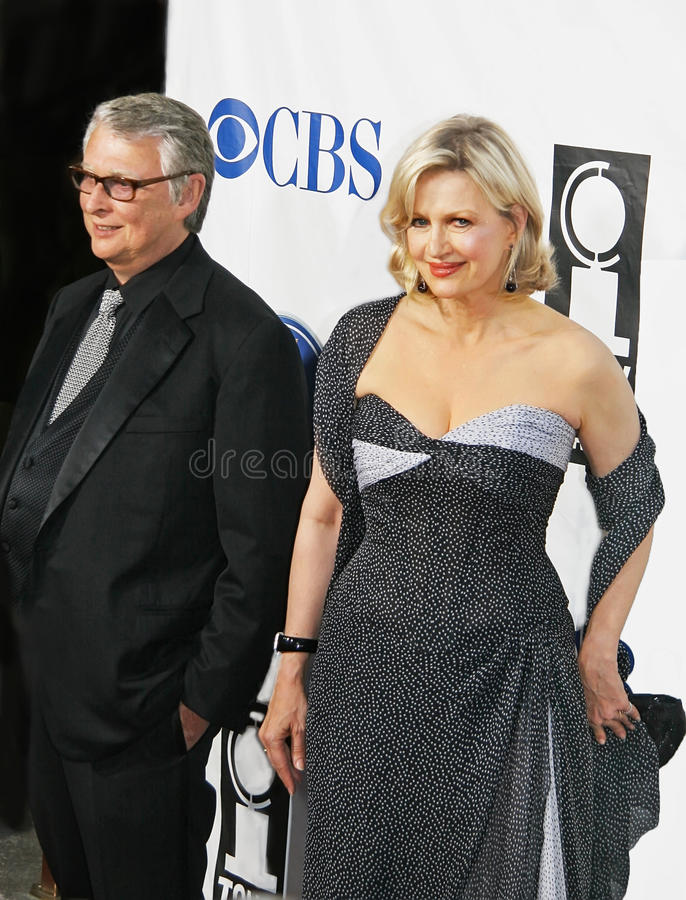 Mike Nichols and Diane Sawyer. German-American film producer, director, comedian actor and writer Mike Nichols arrives on the red carpet for the 59th Annual Tony stock images