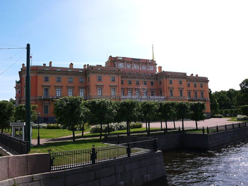 Κάστρο Mikhailovsky στη Αγία Πετρούπολη, Ρωσία Θαυμάσια κτήρια και αρχαία αρχιτεκτονική της όμορφης πόλης, στοκ εικόνα με δικαίωμα ελεύθερης χρήσης