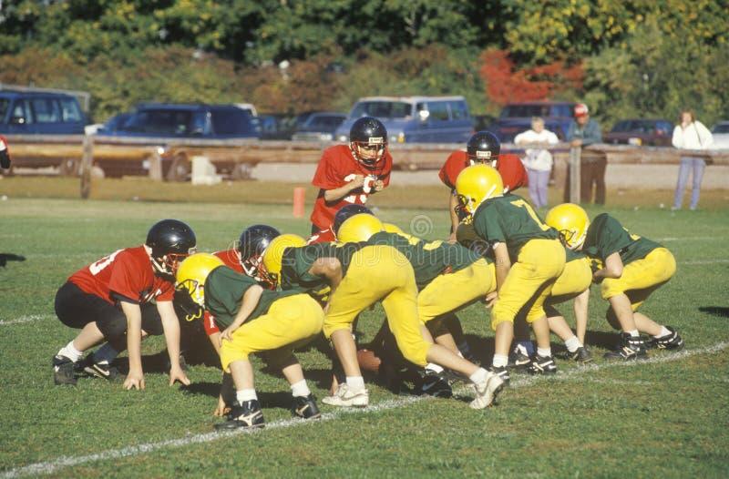 Mikro-liga fotbollsspelare som åldras 8 till 11 under leken, Plainfield, CT arkivbilder