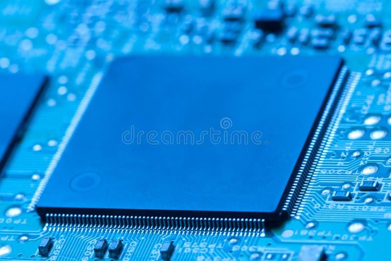 Mikrochip integriert auf Motherboard lizenzfreies stockfoto