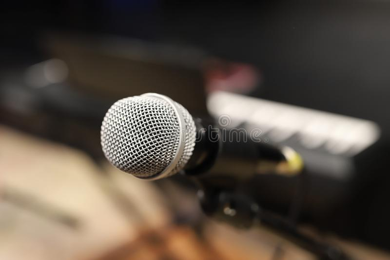 Mikrofon, audio miesza konsola fotografia stock