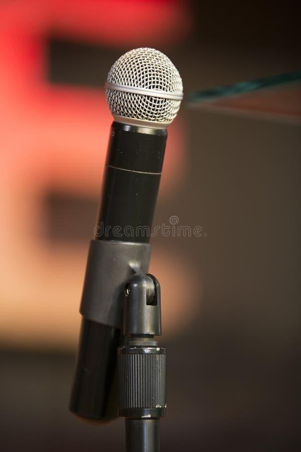 Mikrofon auf Stand lizenzfreies stockfoto