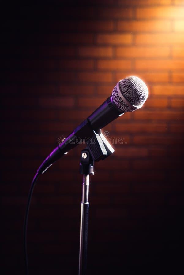 Mikrofon na scenie fotografia stock