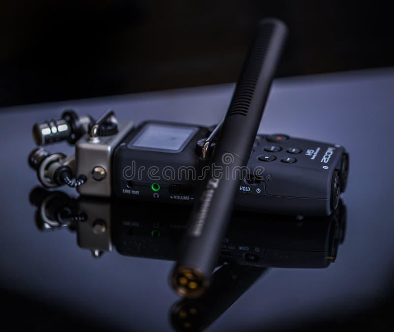 Mikrofon och registreringsapparat fotografering för bildbyråer