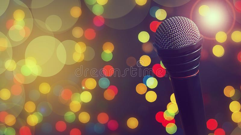 Mikrofon Pojęcie muzyka, koncert, karaoke, plakat kosmos kopii obrazy royalty free