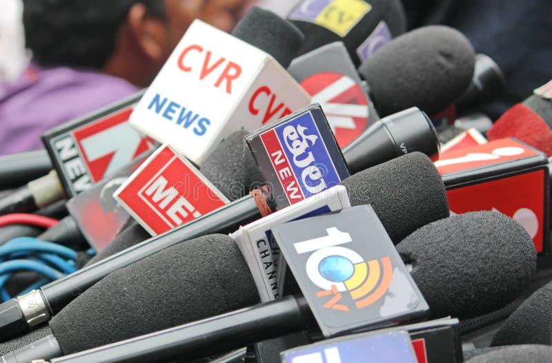 Mikrofoner av olika massmediakanaler, Indien fotografering för bildbyråer