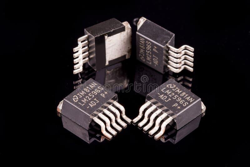 Mikrokreisläufe auf Schwarzem lizenzfreie stockfotos